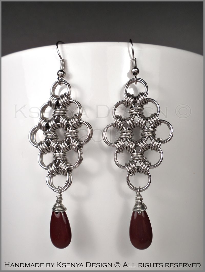 Edwina - unique chainmaille earrings. #jewelry #ksenyajewelry #earrings #chainmaille #wirejewelry #brown