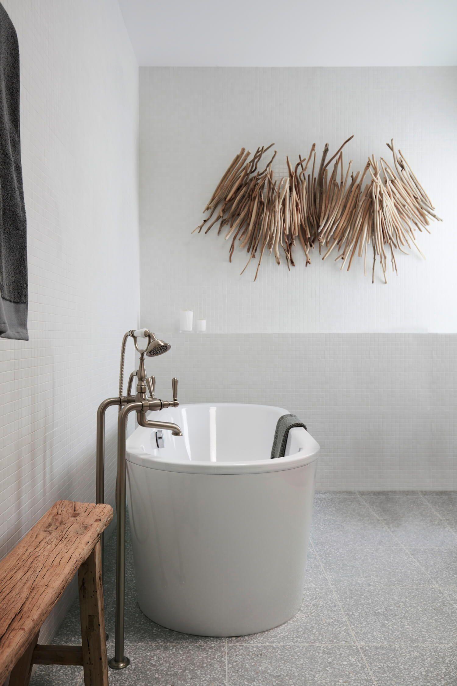 Badezimmerfliesenideen um badewanne etre living  blog  badideen  pinterest  badezimmer bad und baden
