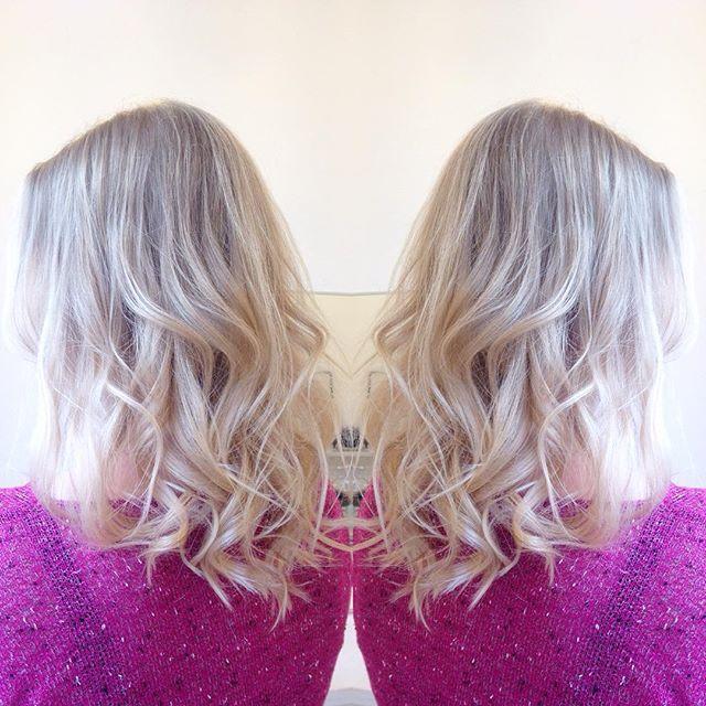 Ihanaa kesäfiilistä hiuksissa! #summer #hairstyle #haircolor #simsensitive #labelm #olaplex #olaplexfinland #blonde #ashblonde #blondehair #kampaamo #hairdesignhelsinki #hdhnico @nicolangel0