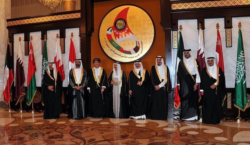 """قناة الکوثر الفضائیة """"القمة الخليجية"""" ستعقد في موعدها بالكويت وهذه المفاجأة !: قطر_الكوثر: ..."""