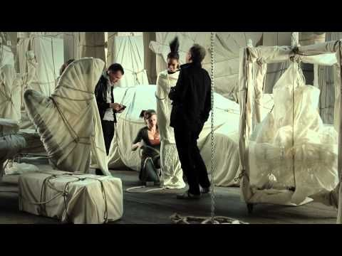 Mercedes-Benz TV: Mario Testino behind the scenes.