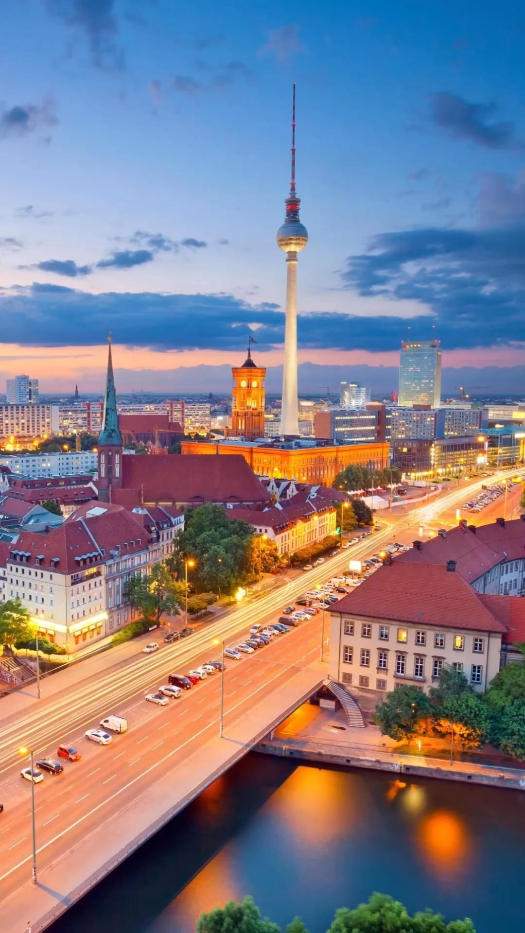 Travel to the German capital, including tons of things to do and see. Check out the attractions, food, neighborhoods, and more in the heart of Europe! #germany #berlin #europetravel #berlintravel #germanytravel #travel #traveltips