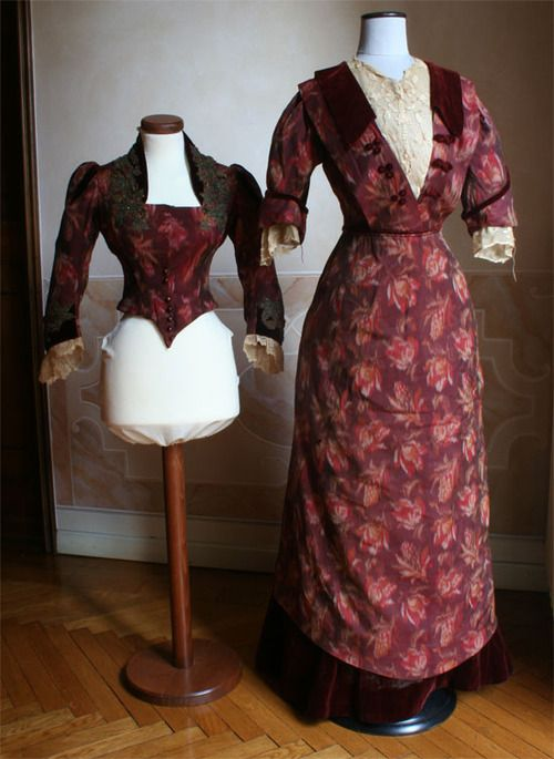 Entire dress made using tissue obtained from the skirt of a dress of the 19th century.1910 Source