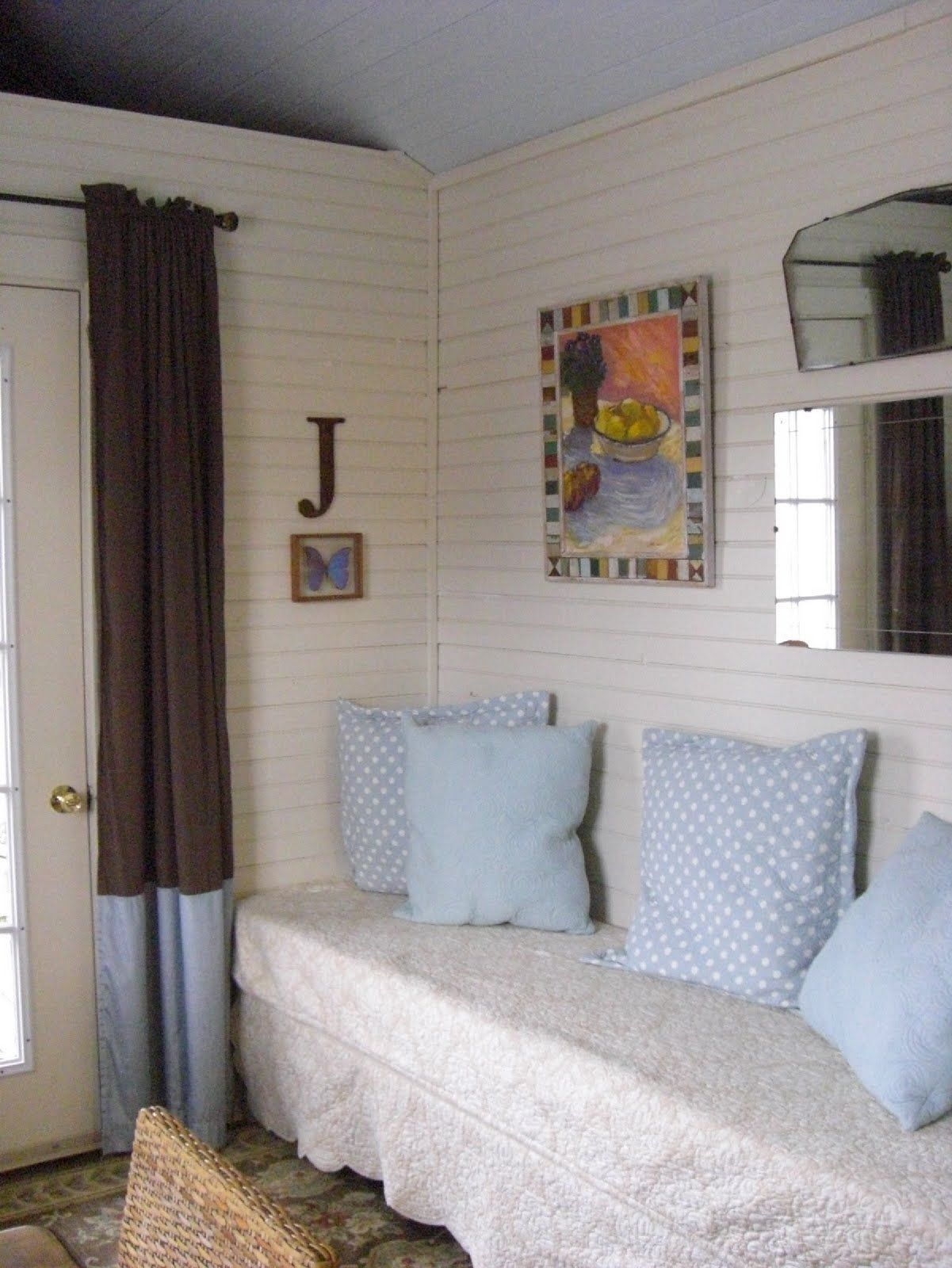 Fold Out Bed Folded Up Diy How To Live In 320 Square Feet How To Squeeze A Guest Room Into