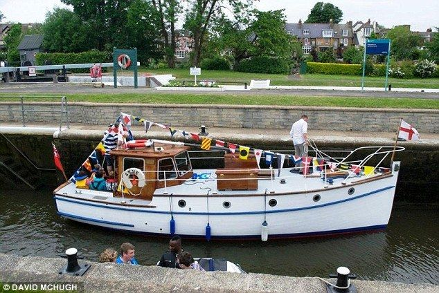 Sail Of The Century Anne Last Of The Dunkirk Little Ships Is Put On Ebay For Charity Dunkirk Boat Classic Boats