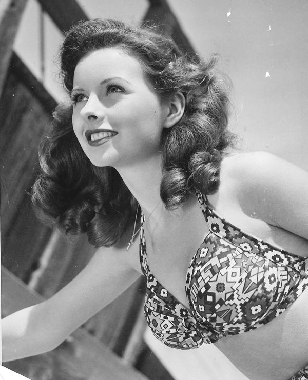 Jeanne Crain, 1945