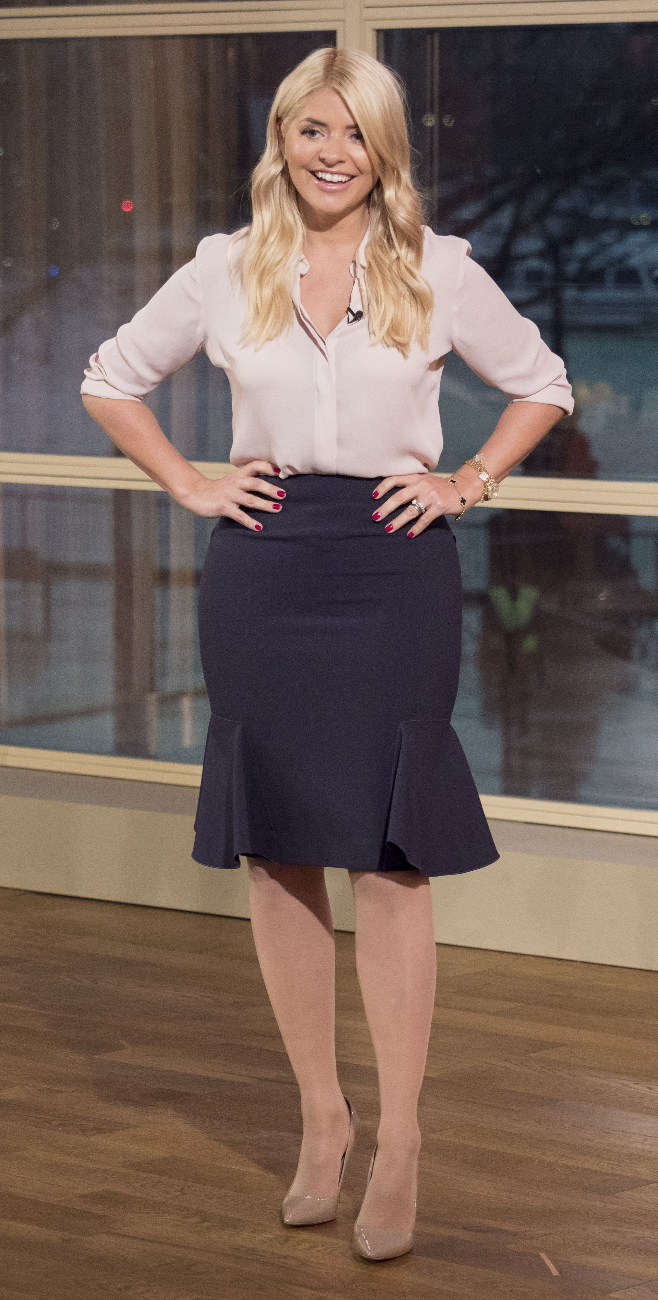 Holly Willoughby – This Morning 07.01.16