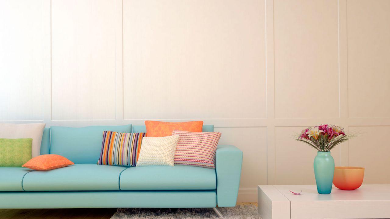 Colores claros en cojines para combinar el sof muebles - Cojines para el sofa ...