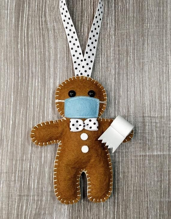 Lockdown Christmas Decoration Gingerbread Man In A Mask With Toilet Roll In 2021 Felt Ornaments Christmas Gingerbread Gingerbread Ornaments
