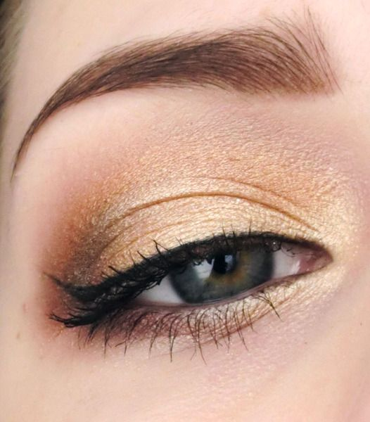 Golden Makeup For Blue Or Green Eyes Simple And So Pretty For