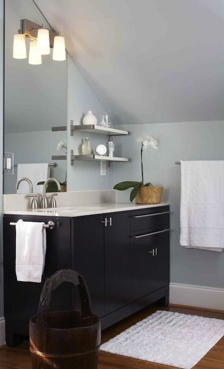 13+ Ideas for Decorating with a Sloped Ceiling | Bathroom ...