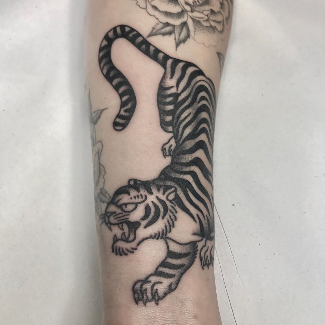 Fvego Jorge Jimenez On Instagram Gap Filler At Seny Tattoos Fvego Fvegotattoo Tattoos Animal Tattoo Instagram