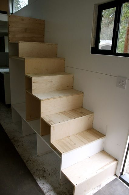 Pin By Renn Tyhychi On Tiny Homes Tiny House Stairs
