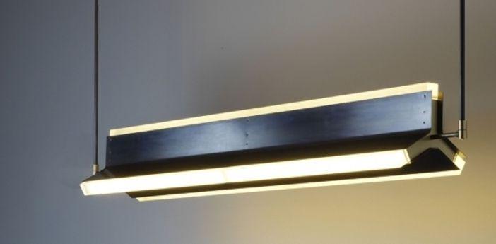 Suspension Rayon Noir Et Laiton Led L170cm H23cm Cto Lighting Avec Images Luminaire Design Luminaire Design De Restaurant