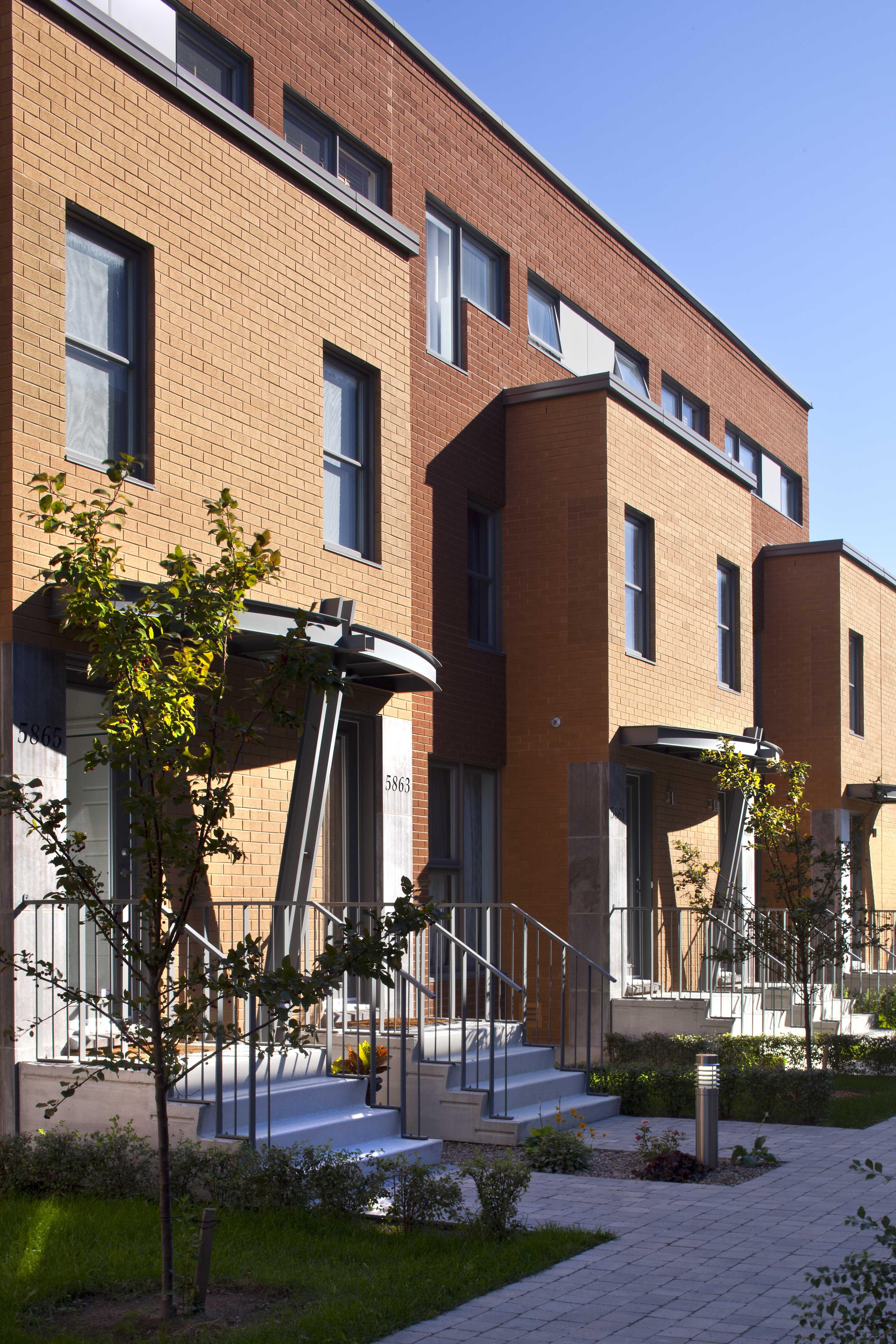 Maison de ville - rue Claude Masson Habitations Laurendeau   Plan urbanisme, Maison de ville ...