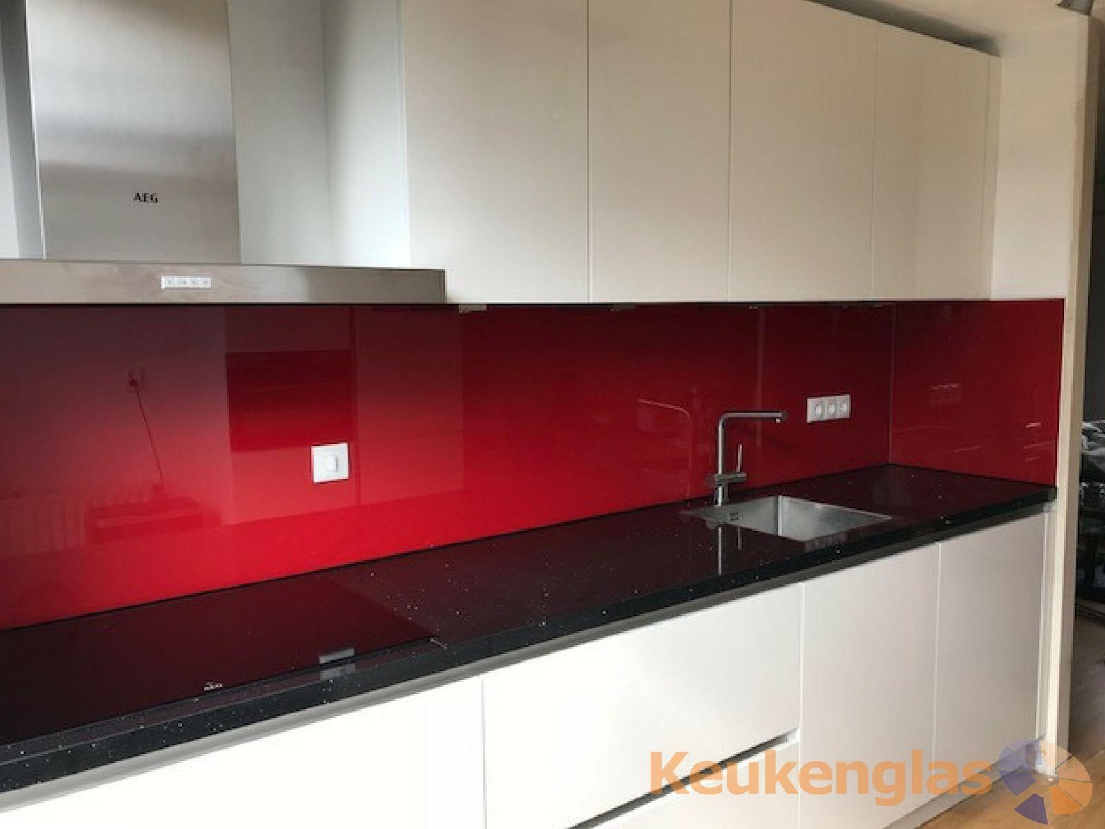 Achterwand Keuken Ideas : Glazen achterwand van keukenglas in de kleur rood #keukenglas