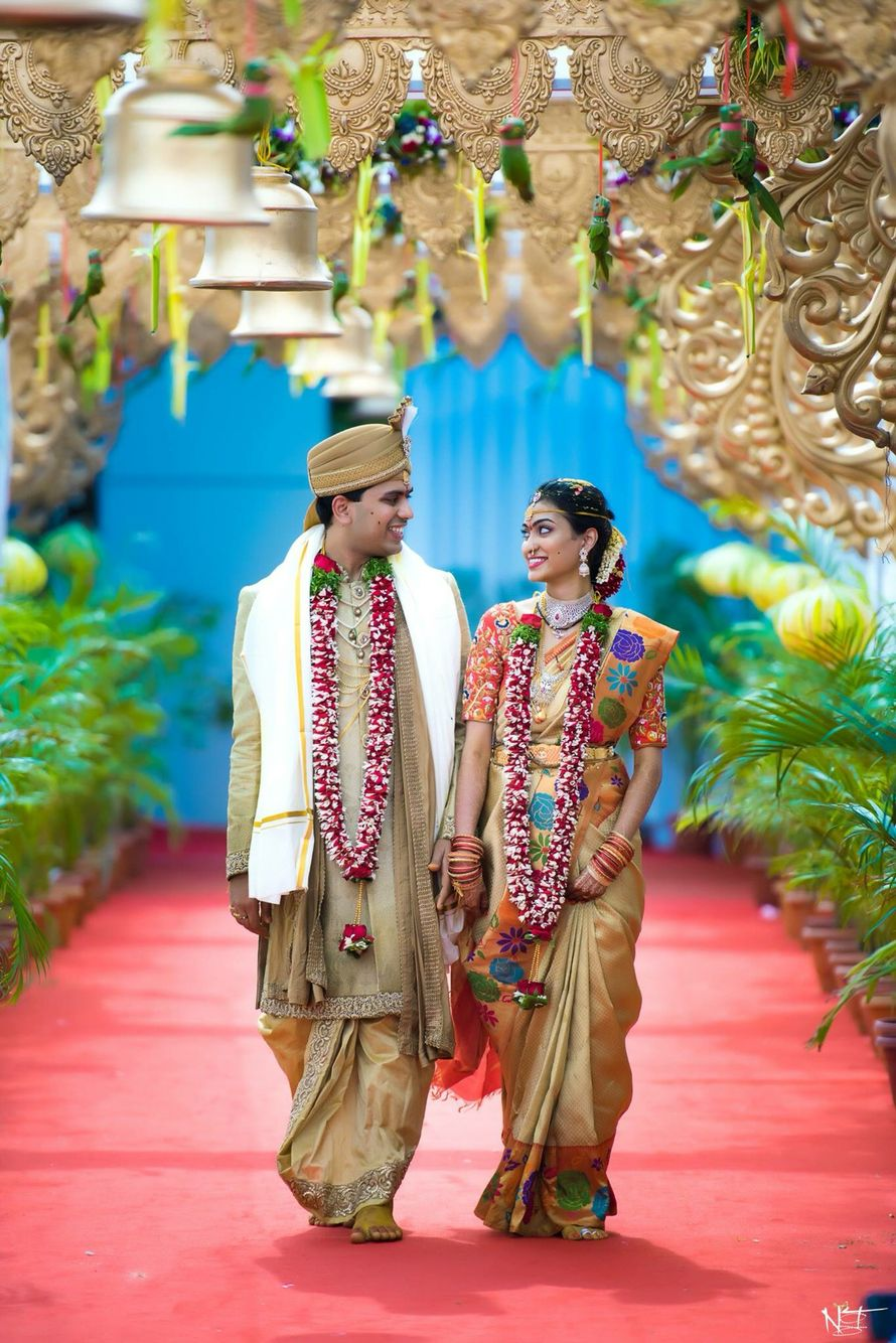 Gold Color Indian Wedding Couple Bride Groom Poses Indian Wedding Photos