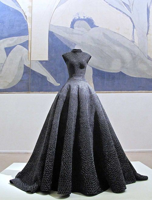 But like dragon skin and ugh words  #vintage Azzedine Alaia it's like a totally important designer #gorgeousgowns