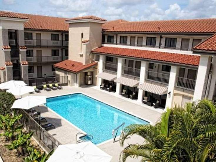 Quality Inn Suites By The Parks Kissimmee Usa With Images