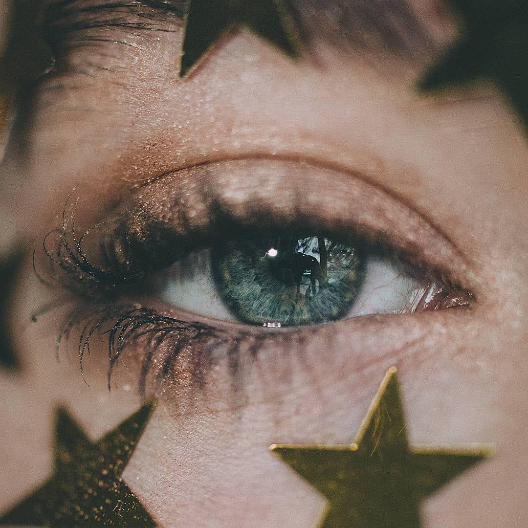 Instagram Aesthetic Tumblr Grunge Eye Photo Star Details Blue Eyes Makeup Gold Photo By Johanna Loves Blue Eyes Aesthetic Aesthetic Eyes Eye Makeup