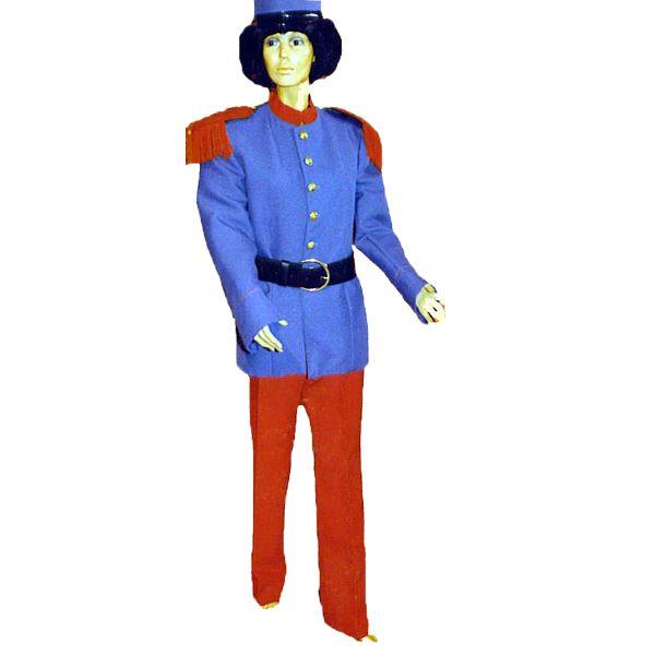 Soldat code produit : 946-111 4 pièces : Veste, Pantalon, Ceinture et Casquette. Taille(s) : 52.