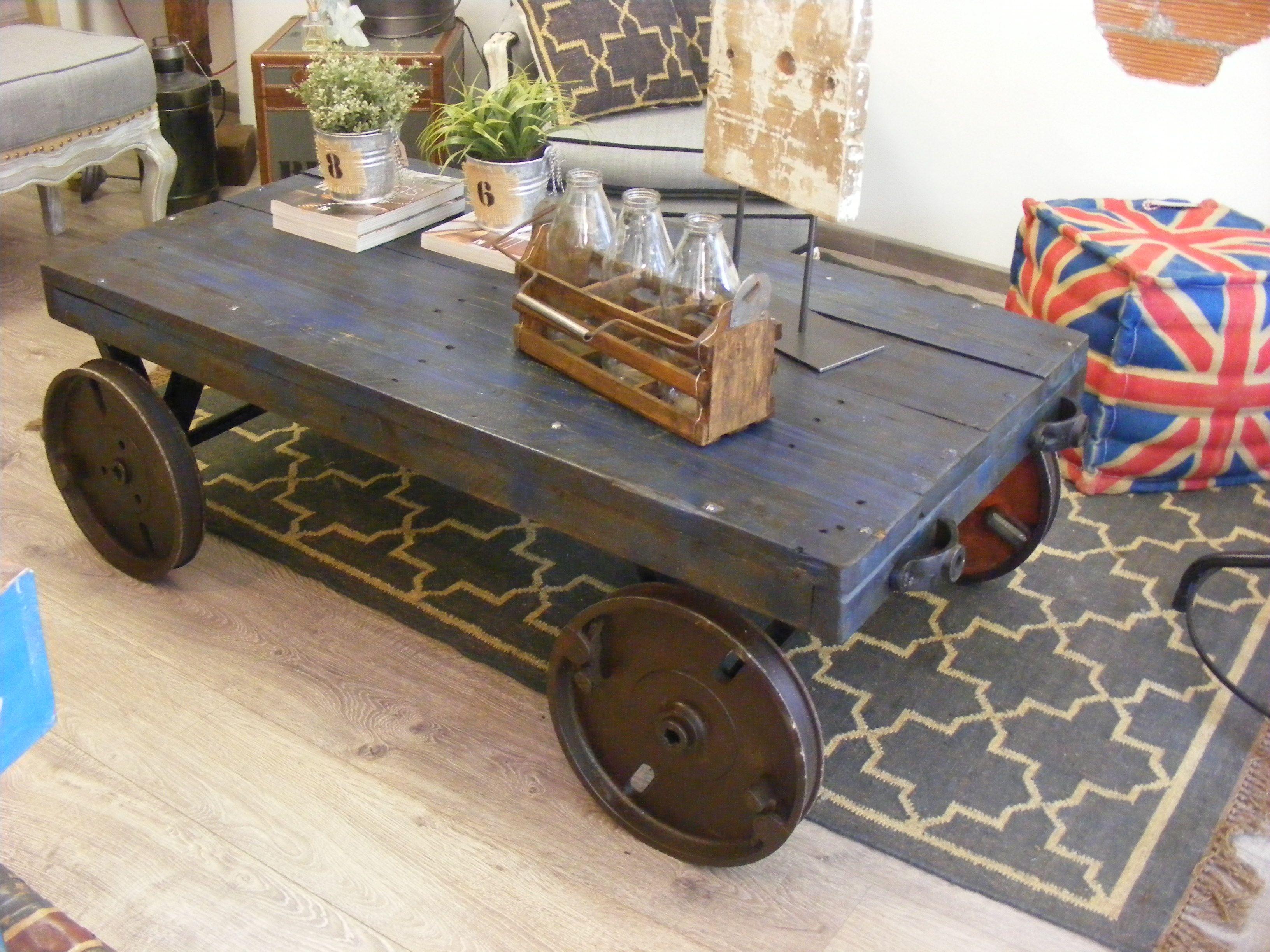 Mesa De Centro De Ruedas Estilo Vintage Madera Reciclada Y Ruedas De Minería ünik Vintage Furniture Ruedas De Acero Muebles Madera