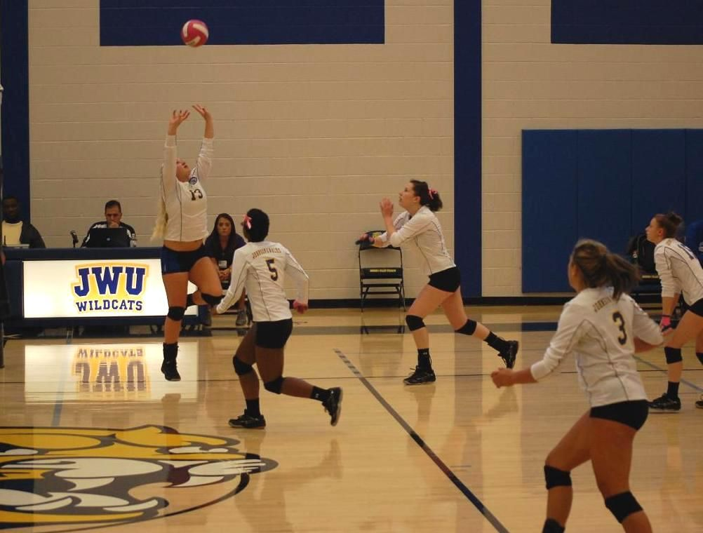 Volleyball Loses To Cvcc In 3 Women Volleyball Johnson Wales University Volleyball