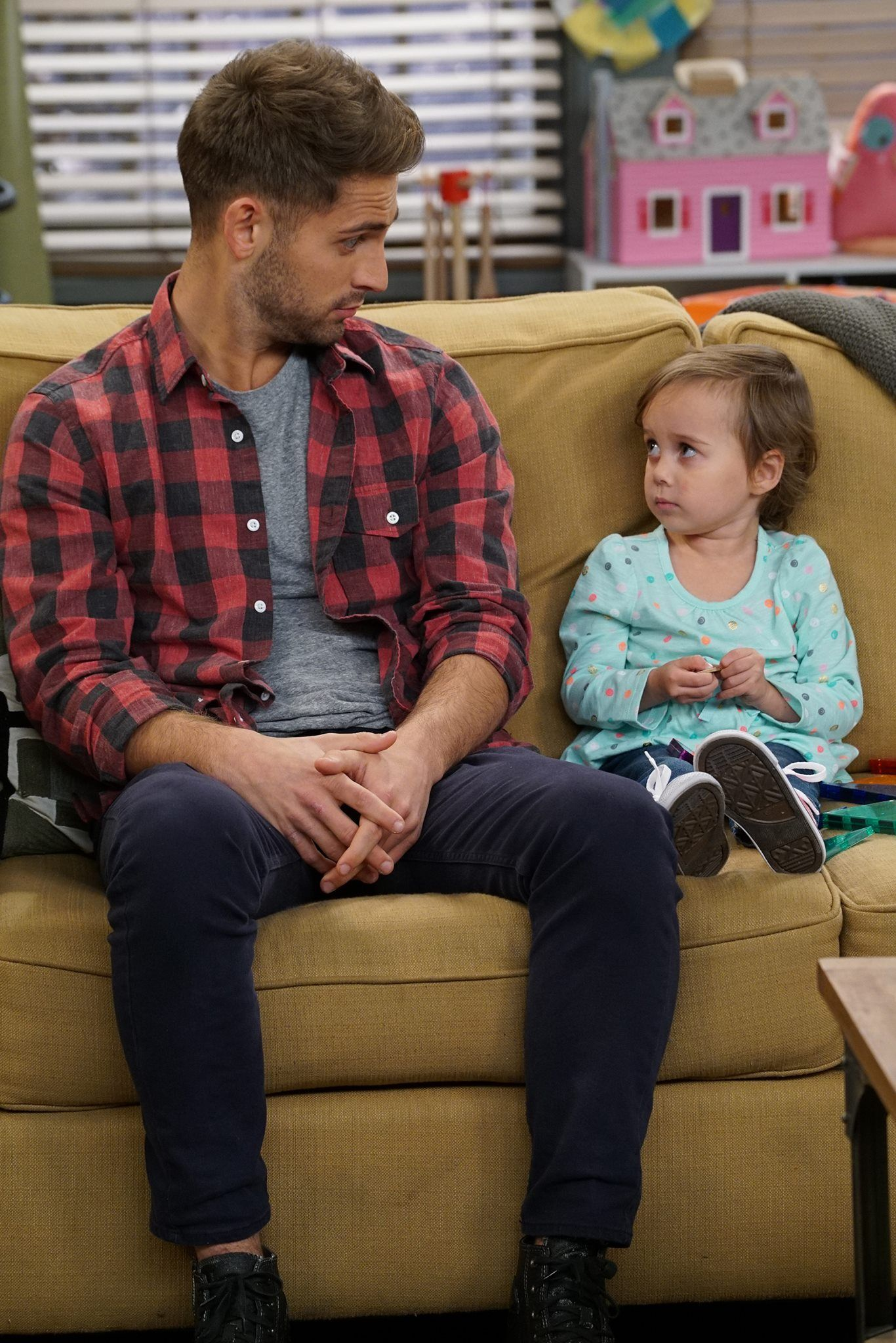 "BabyDaddy 6x06 ""The Third Wheeler"" Ben and Emma Baby"