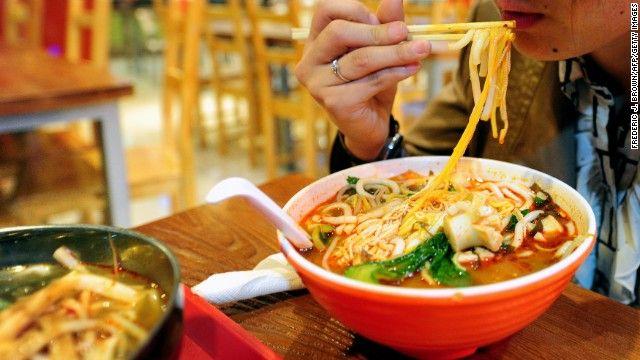 VOLANTAMUSIC: Restaurante chino servía fideos aderezados con pla...