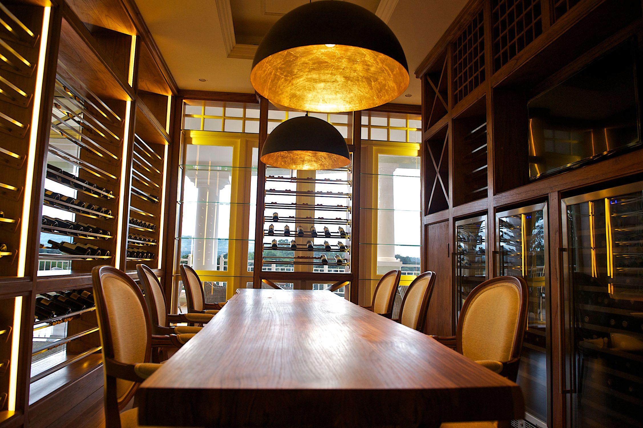 Leather Suppliers Kenya Mail: Hemingways Nairobi Hotel (Kenya). [Room Casegoods