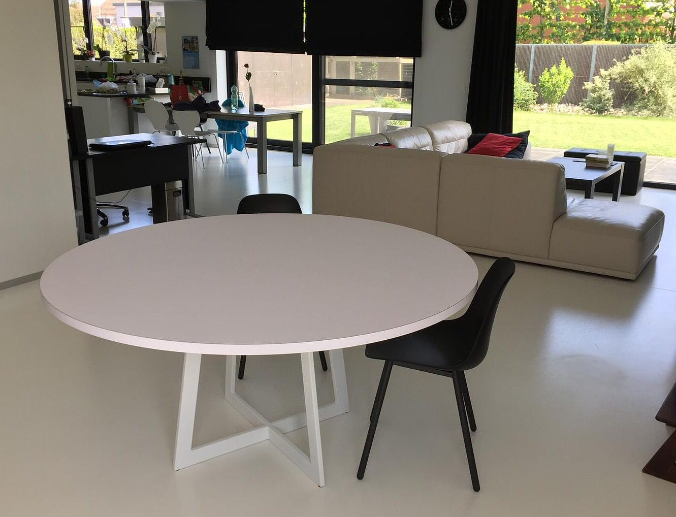 Eettafels Rond Modern.Carzello Moderne Ronde Tafel In 2019 Eettafel Witte