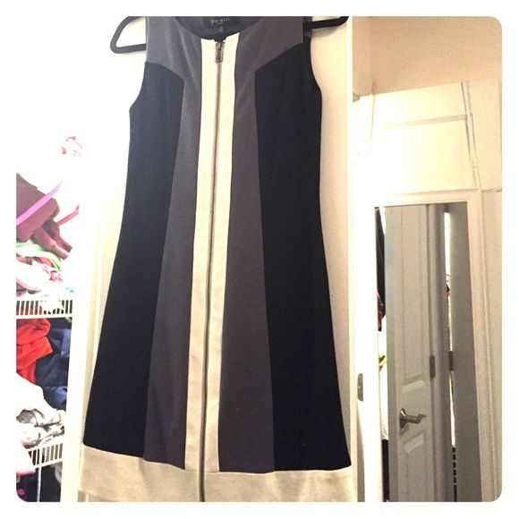Nine West Dress Beautiful, classic look and cut. Very flattering and fun! Guaranteed compliments. Nine West Dresses