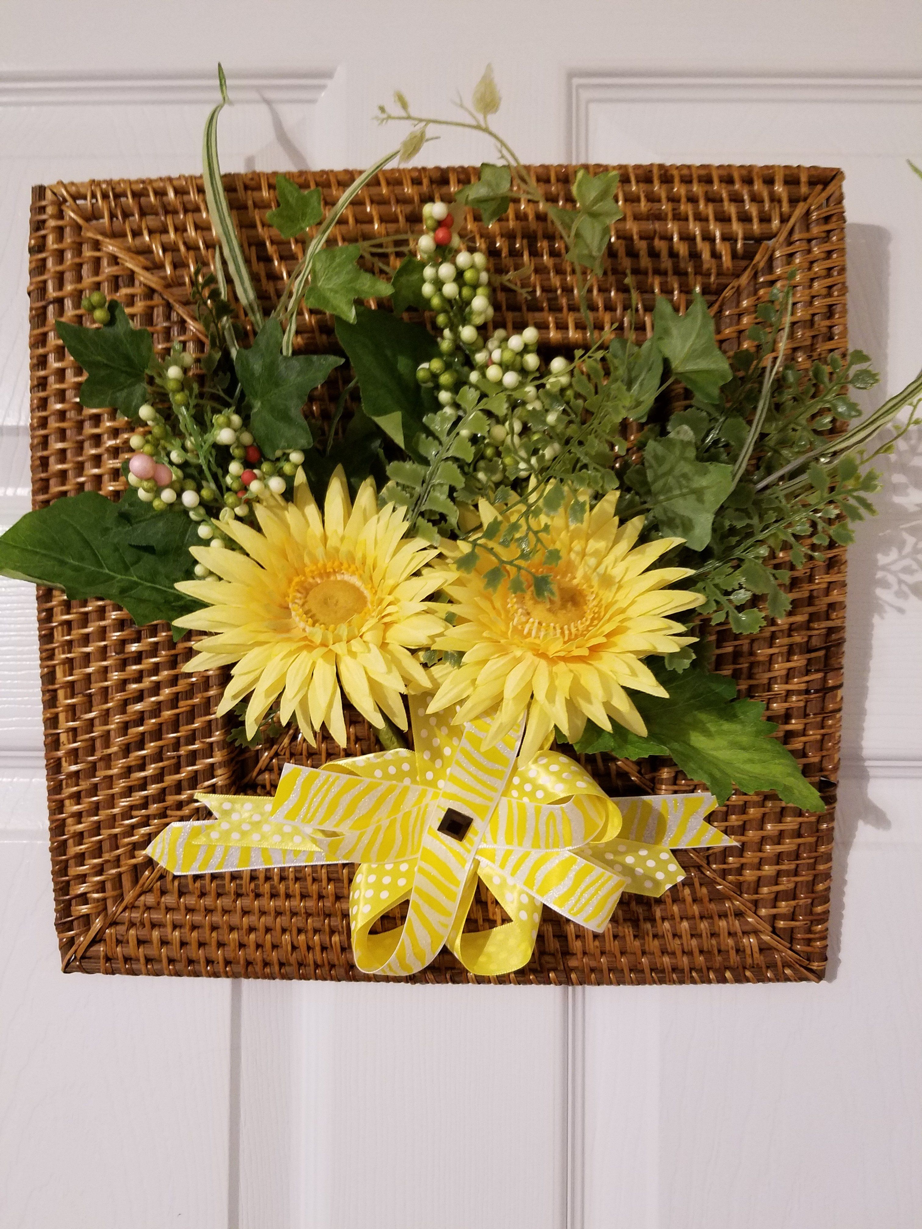 WH008 - Silk Floral Arrangement with Square Rattan Tray - Wall ...