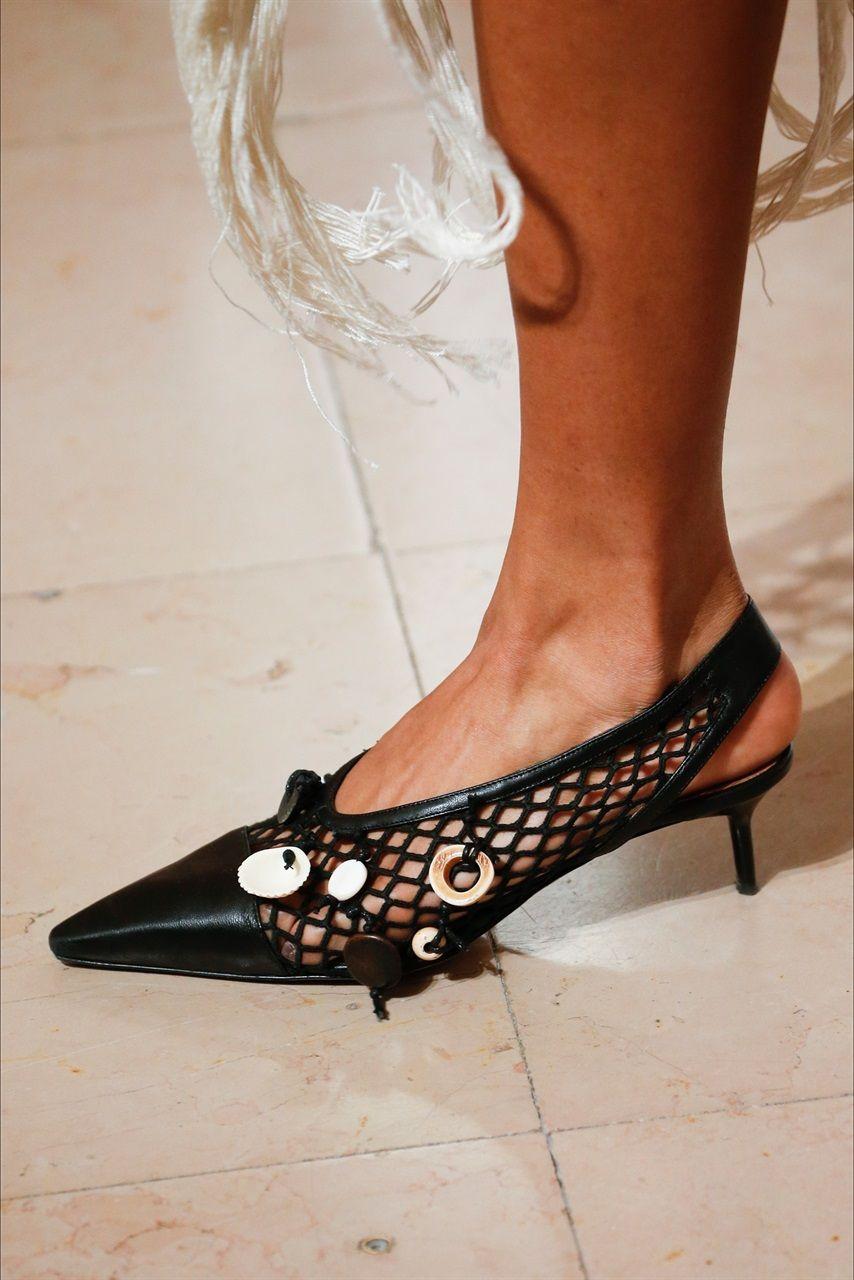 Sfilate di Parigi Primavera estate 2019  le scarpe più belle - Vanityfair.it 9becd010647