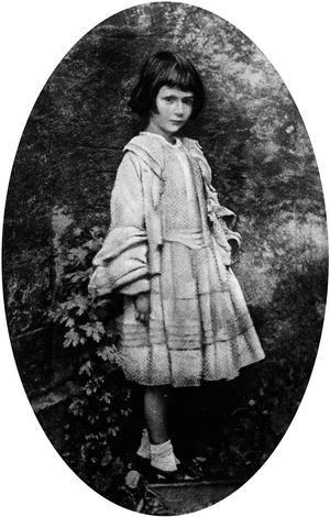L 39 atmosph re irr elle du jardin botanique d 39 oxford alice for Alice dans le miroir balthus
