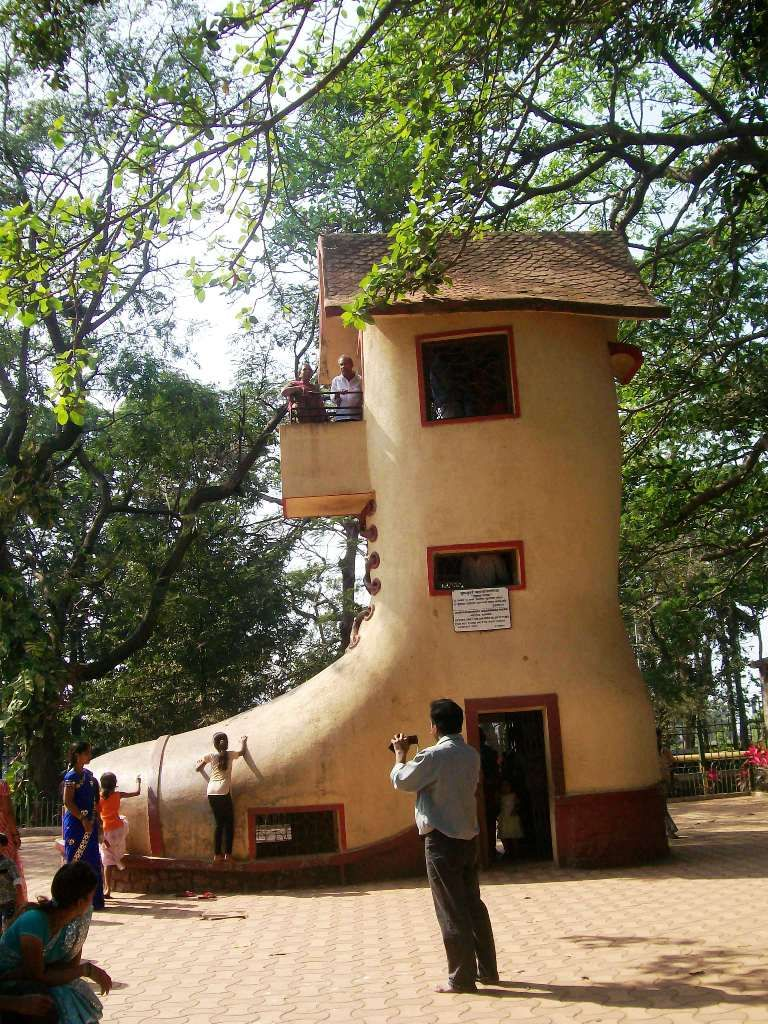 There was an old woman who lived in a shoe - the giant Mumbai Shoe ...