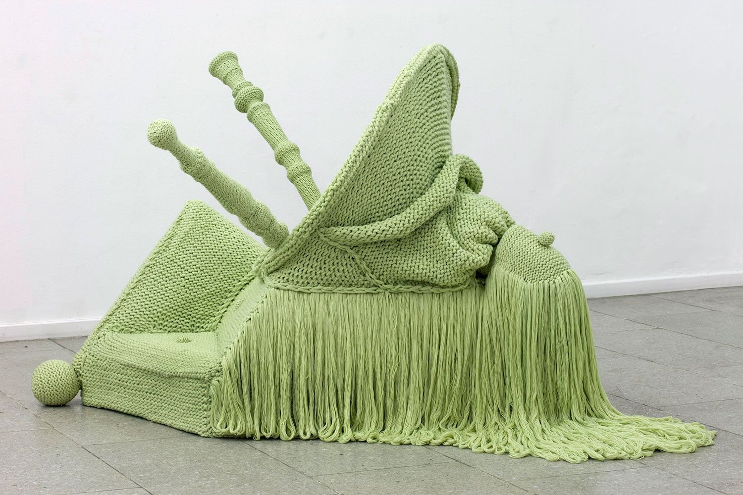 Extreme Knitting by Danish Textile Designer Isabel Berglund | Yellowtrace.
