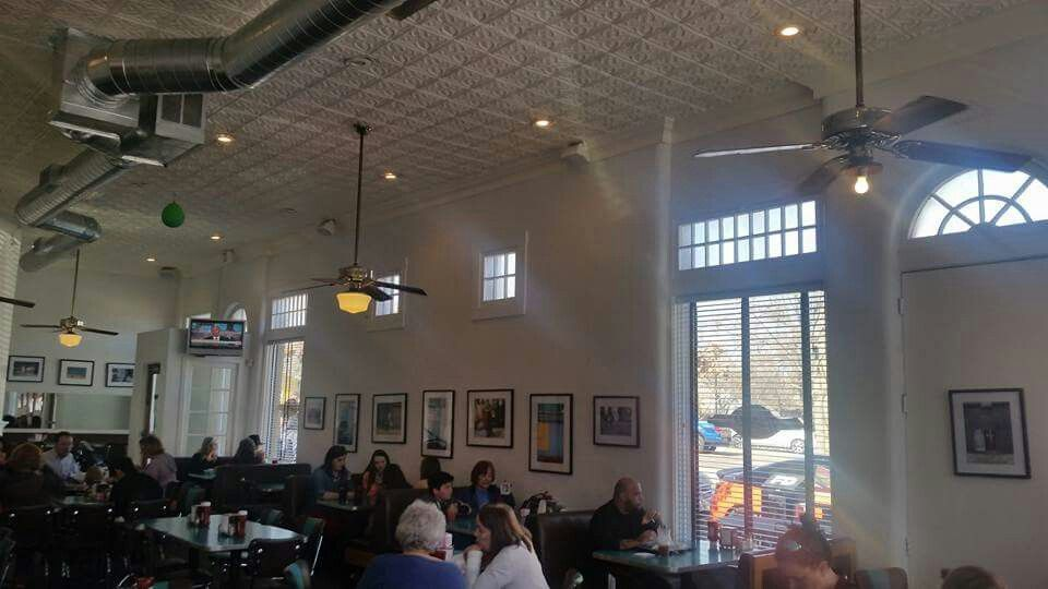 Hunky S Old Fashion Burgers Dallas Tx With Mom And Spence Diner Drive Ins And Dives Ceiling Lights Track Lighting