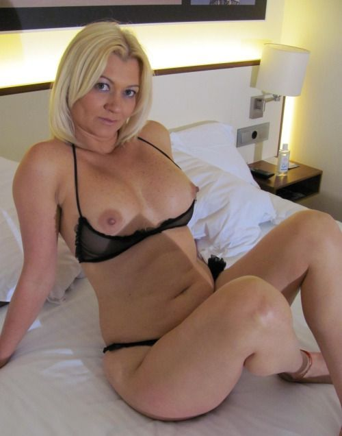Tanning salon milf stories