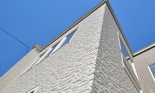 大抵の新築では サイディング材による外壁が採用されるようになってい