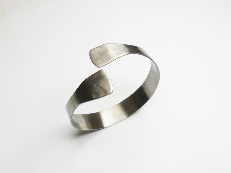 Armreifen Besteckschmuck Silberbesteck  AB210 von Atelier Regina auf DaWanda.com