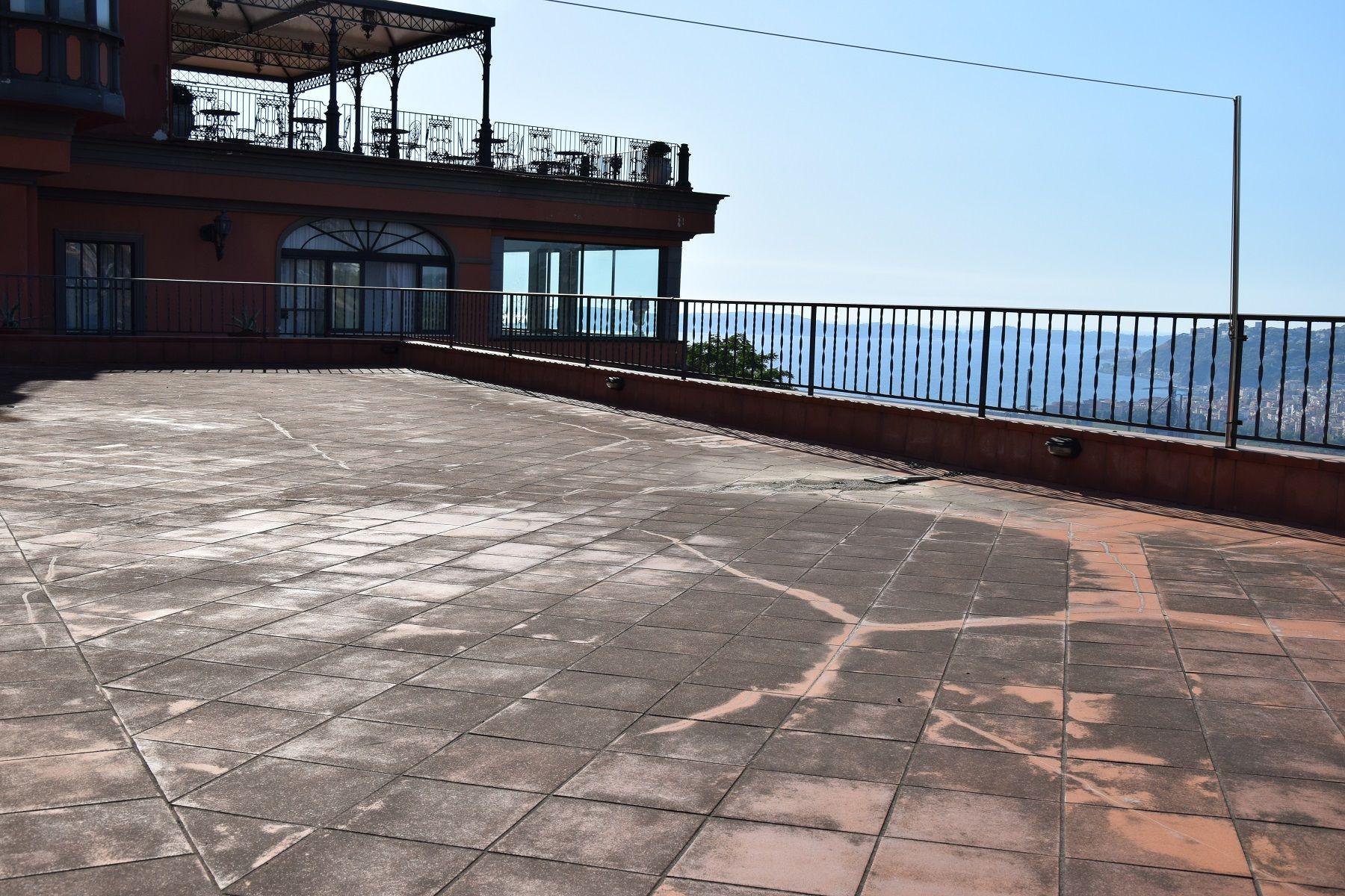 Via Manzoni Castello De Vita Panoramicissimo Indipendente