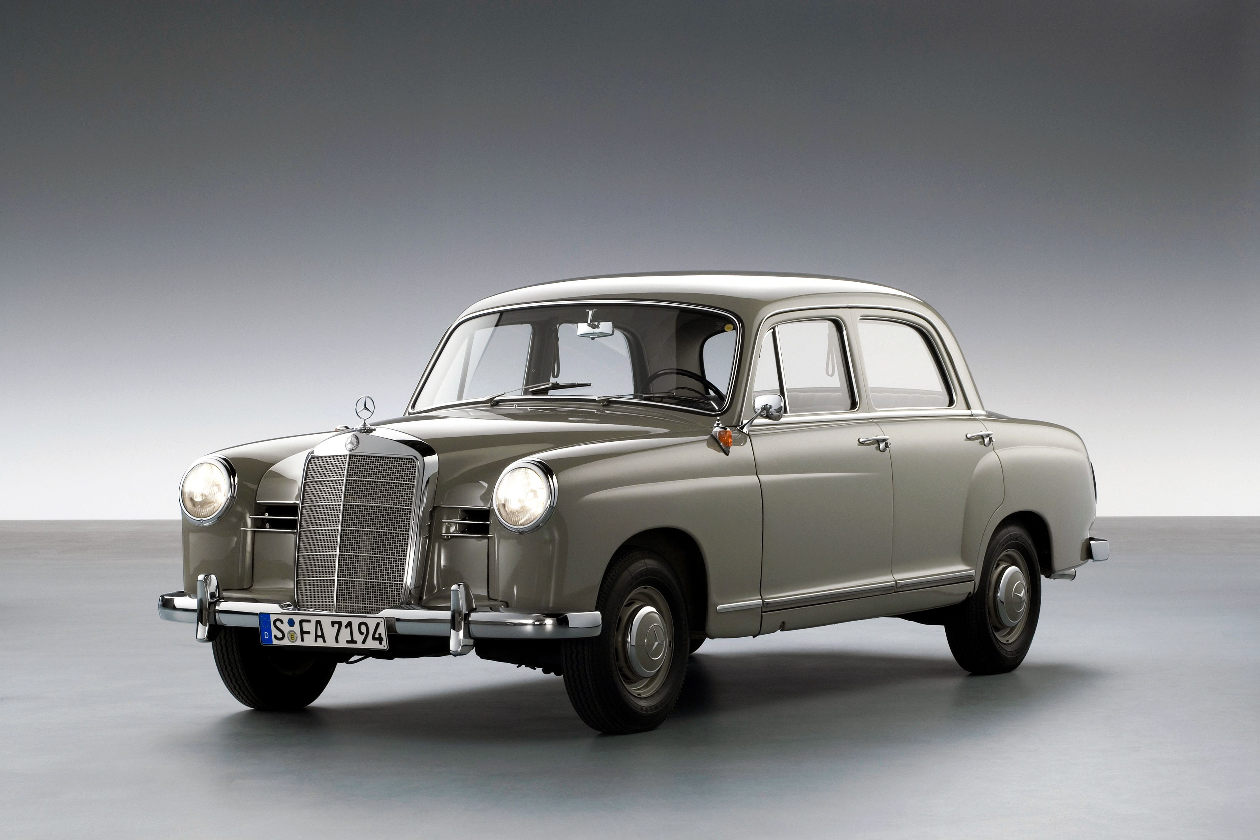 1953 ponton the first mercedes benz to feature an advanced three box design with self supporting body structure and fully integrated wings