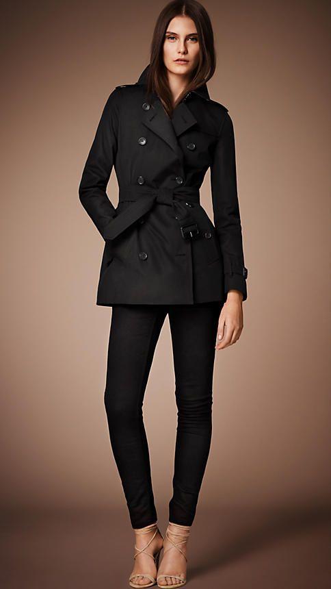 16eb0e17e74b The Kensington - Short Heritage Trench Coat   Burberry   My Style ...