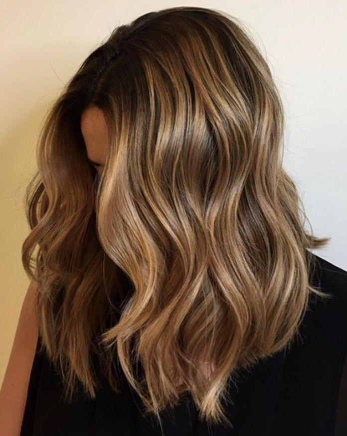 Tendenza colore capelli 2019: Nutella Brown e i riflessi ...