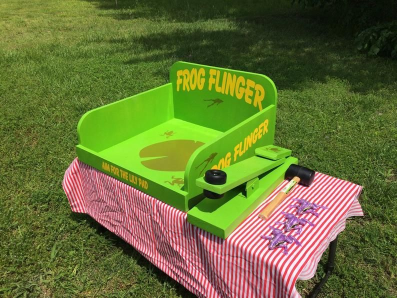 Frog Flinger Carnival Game. Perfect for Trade Show, Rental
