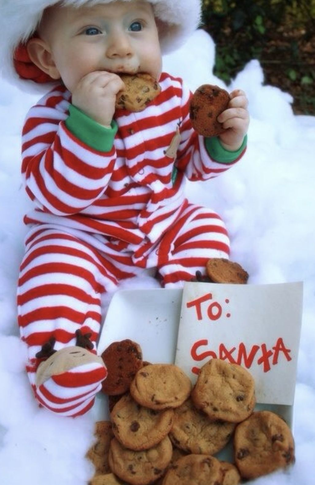 Pin By Veronica Alanis On Christmas Pictures Ideas Baby Christmas Photos Christmas Baby Pictures Christmas Photoshoot Kids