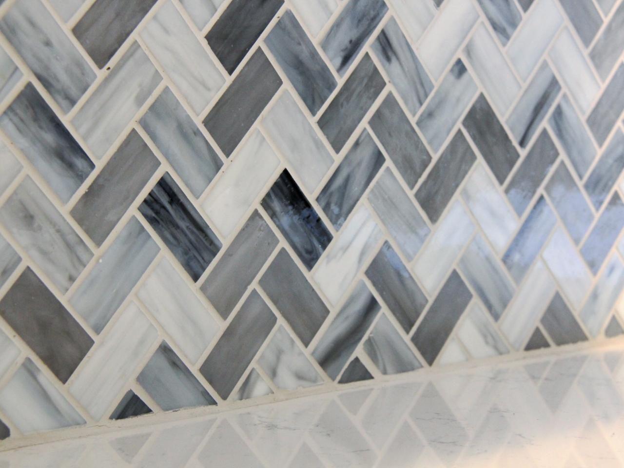 The chevron glass mosaic backsplash in varying hues of blue and gray kitchen backsplash dailygadgetfo Image collections