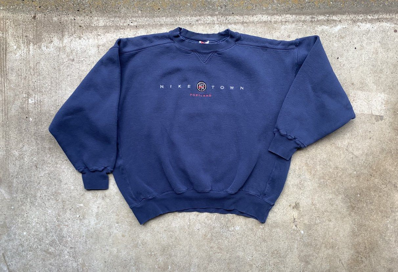 Niketown Portland Sweater Vintage 90s Athletic Wear Spell
