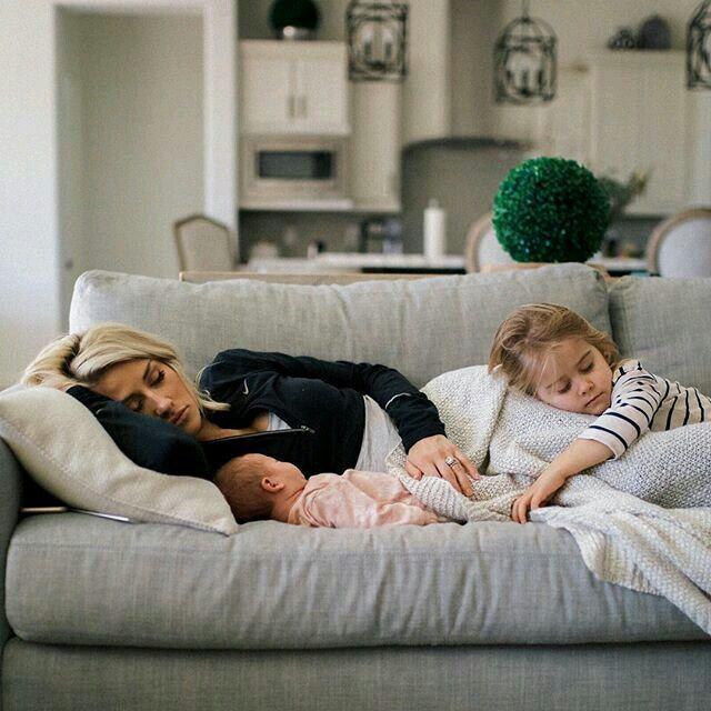 pinterest    @topazz22   Where Do I Sit?   Baby family ...